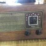 Vintage Wards Airline Radio.  Model W6 1801.  We believe this Radio to be from 1946.  Pre-owned & in excellent condition.  $125.00 obo