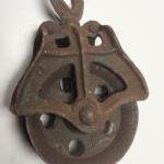 Vintage Metal Pulley.  Great Vintage piece.  Pre-owned & in great condition.  $25.00 obo
