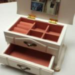 Vintage White Wood Jewelry Box.  Beautiful. Pre-owned & in great condition, some wear on the bottom.  $25.00 obo