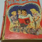 Book: 365 Bedtime Stories by Janet Robson.  This book is from 1944 Whitman Publisher.  Pre-owned & in good condition, cover falling off.  $5.00 obo